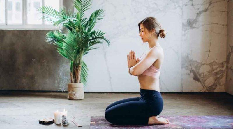 yoga-promove-equilibrio